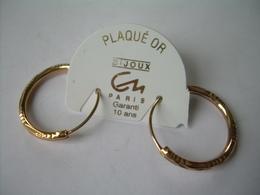 BOUCLES D'OREILLES CREOLES En PLAQUE OR...NEUVES..2 Scans - Earrings