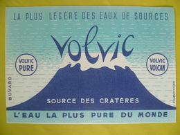 Buvard   La Plus Légère Des Eaux De Sources VOLVIC - Blotters