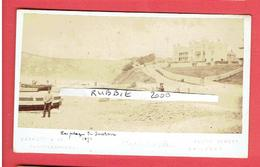 PHOTOGRAPHIE SEATON 1871 THE BEACH PHOTOGRAPHE BARRET AND COMPAGNIE SOUTH STREET BRIDPORT  PHOTOGRAPHER - Lieux