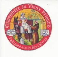 Etiquette De Fromage Camembert Du Vieux Prieuré - Deux Sèvres. - Fromage