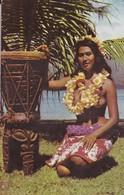 Polynésie Française Tahiti Teura La Belle Aus Fleurs En Tenue Originale Du Pays - Polynésie Française