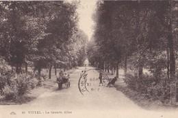 VITTEL - La Grande Allée - Vittel Contrexeville