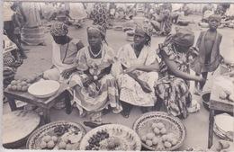 AFRIQUE NOIRE - Rép. Haute-Volta  (Burkina-Faso) - FEMMES AU MARCHÉ - Burkina Faso