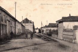 HALLIGNICOURT            UNE RUE . 3 ENFANTS - France