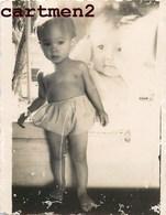 PHOTOMONTAGE SURREALISME VIETNAM INDOCHINE STUDIO TRUCAGE PHOTO-MONTAGE FOTOMONTAGE BOY BABY CHILD - Photos