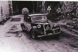 Citroen Traction 15 Six  -  Rallye Monte-Carlo 1955  -  Pilotes: Dirau Manoukian/Henry Ido Marang (F) -  15x10cms PHOTO - Rallye