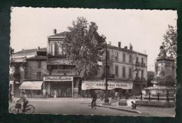 CP (84) Cavaillon - Place Gambetta - Cavaillon