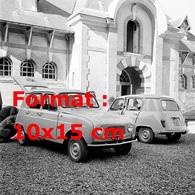 Reproduction D'une Photographie Ancienne De Deux Renault 4L En 1961 - Repro's