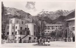 IRAN. TEHERAN, HOTEL DARBAND. CIRCULEE 1954 TO SWEDEN. 3 STAMPS VARIETE. RARE- BLEUP - Iran