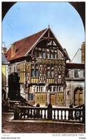 JOIGNY    Place Saint Jean.   Maison De Bois Du XVIe S. Carte Photo 2 Scans TBE - Joigny
