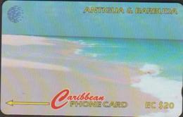 ANTIGUA & BARBUDA 17CATC CARAÏBES  EC$20  PLAGE SABLE ROSE  TIR 59.400 - Antigua And Barbuda