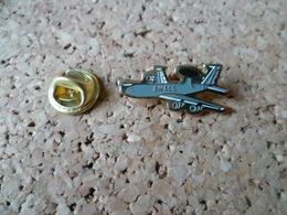PIN'S   AVION RADAR MILITAIRE - Airplanes