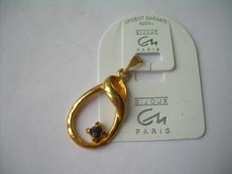 PENDENTIF En PLAQUE OR Et PIERRE BLEUE, Bijou C N Paris...2 Scans - Hangers
