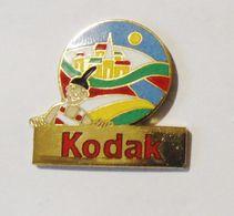 Pin's Kodak Toutes Les Couleurs Du Monde - PHOTO - Photography