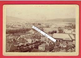 BELFORT VERS 1870 VUE GENERALE PHOTOGRAPHIE PAPETERIE LIBRAIRIE SCHMILL 25 FAUBOURG DE FRANCE EN TRES BON ETAT - Lieux