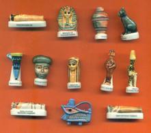 Serie Complète De 12 Feves Sur L'egypte - Geschiedenis