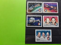 HAUTE VOLTA, Coopération Spatiale USA - URSS, Space Apollo Soyouz , 5 Timbres Neufs ** MNH , TTB - Space