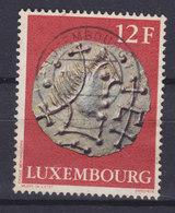 Luxembourg 1976 Mi. 927    12 Fr. Archäologische Gegenstand Tremissis (fränkische Goldmünze) Gold Coin - Luxembourg