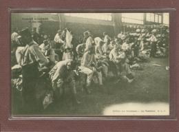 PARIS 7e - LA MARCHE DE L'ARMEE 29 MAI 1904 - SALLE DES MACHINES - AU VESTIAIRE - District 07