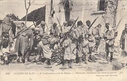 Thématiques 2018 Commémoration Fin De Guerre 1914 1918 Neufmoutiers Meaux Marocains Examinant Leur Butin De Guerre - Guerre 1914-18