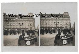 PARIS - GARE ST LAZARE - MARCHANDE DE POMMES - CARTE PHOTO STEREO - Petits Métiers à Paris
