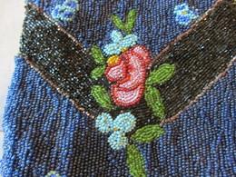 Sac En Perles Ancien - Fleurs - Habits & Linge D'époque