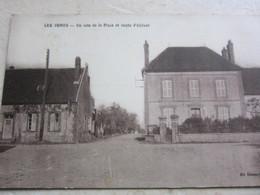 LES ORMES - UN COIN DE LA Place Et Route D'Aillant - France