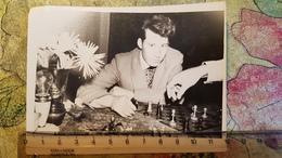 JEU - ECHECS - CHESS - ECHECS  Man Playing  - Old Soviet Photo 1960s - Chess