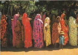 COMORES GROUPE DE FEMMES  PUBLICITE POUR AMORA DIJON MOUTARDE - Comoros