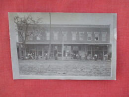 Store Fronts   TO ID     RPPC   > Ref 3077 - Postcards