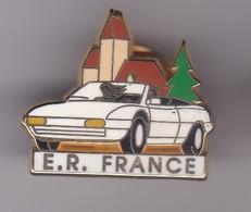 Pin's VOITURE BLANCHE FERRARI SIGNEE ARTHUS BERTRAND N°18 SUR 250 - Ferrari
