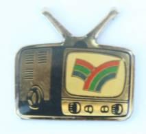 Pin's TELEVISION - Logo De Chaîne à Identifier - Winner - H519 - Medias
