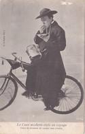 CPA Curé Modern-style Homme D' Eglise Prêtre Vélo Bicyclette Cyclisme Cycliste Cycling Radsport - Cartes Postales