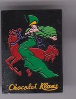 Pin's  PIN UP CHOCOLAT KLAUS - Pin-ups