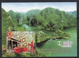 Vietnam  2015  MiNr. 3686 (Block 162)  **/ Mnh ;  UNESCO: Trang An - Vietnam