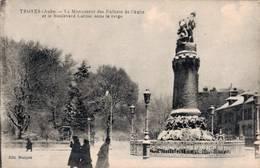 TROYES LE MONUMENT DES ENFANTS DE L'AUBE ET LE BOULEVARD CARNOT SOUS LA NEIGE - Troyes