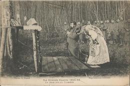 Carte Postale Soldats Français, Messe Près Des Tranchées / 14-18 / WW1 / POILU - 1914-18