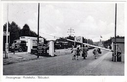 Helmstedt, Zonengrenze-Autobahn M. Schranke U. Personen, 1952 Gebr. Sw-AK - Non Classés