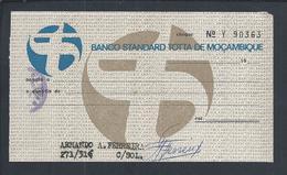Check Of Banco Standard Totta De Moçambique De 1965.Scheck. Kuckt.Overhead With Check Stamp Tax.CUF.Banco Totta & Açores - Chèques & Chèques De Voyage