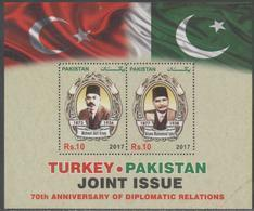 PAKISTAN, 2017, JOINT ISSUE WITH TURKEY, 70TH ANNIVERSARY OF DIPLOMATIC RELATIONS WITH TURKEY, S/SHEET - Gezamelijke Uitgaven