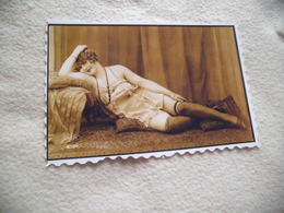 REPRODUCTION PHOTO ....FEMME SEXY - Photographs