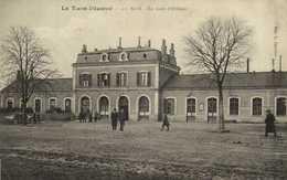 ALBI  La Gare D'Orleans Personnages  RV - Albi