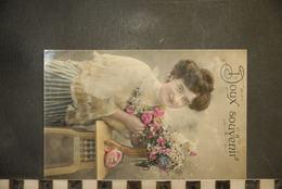 CP, Doux Souvenir, Jeune Femme à Chignon, - Greetings From...