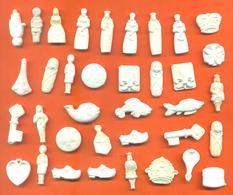 Lot De 36 Feves Ancienne  Plastiques Diverses - Olds
