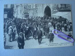 LA ROCHELLE : Départ De Forçats Et Relegués Pour Le Bagne En 1914 - Bagne & Bagnards