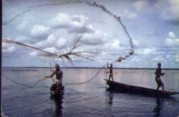 Africa In Pictures - Net Fishing - Pesca - Formato Grande Viaggiata Mancante Di Affrancatura – E 9 - Cartoline