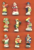 Lot De 9 Feves Porcelaine Sur Les Fetes , Les Mois Diverses - Personnages
