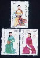 Vietnam Viet Nam MNH Perf Stamps 1999 : Vietnamese Women's Costume (Ms814) - Vietnam