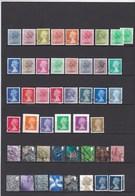 Lot De 46 Timbres Type Machin Et Provinces.2  Timbres Neufs De Valeur Supérieure à Une Livre Chacun - 1952-.... (Elizabeth II)