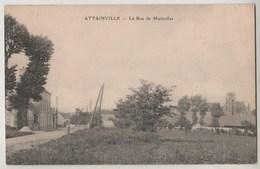 CPA 95 ATTAINVILLE La Rue De Moisselles - France